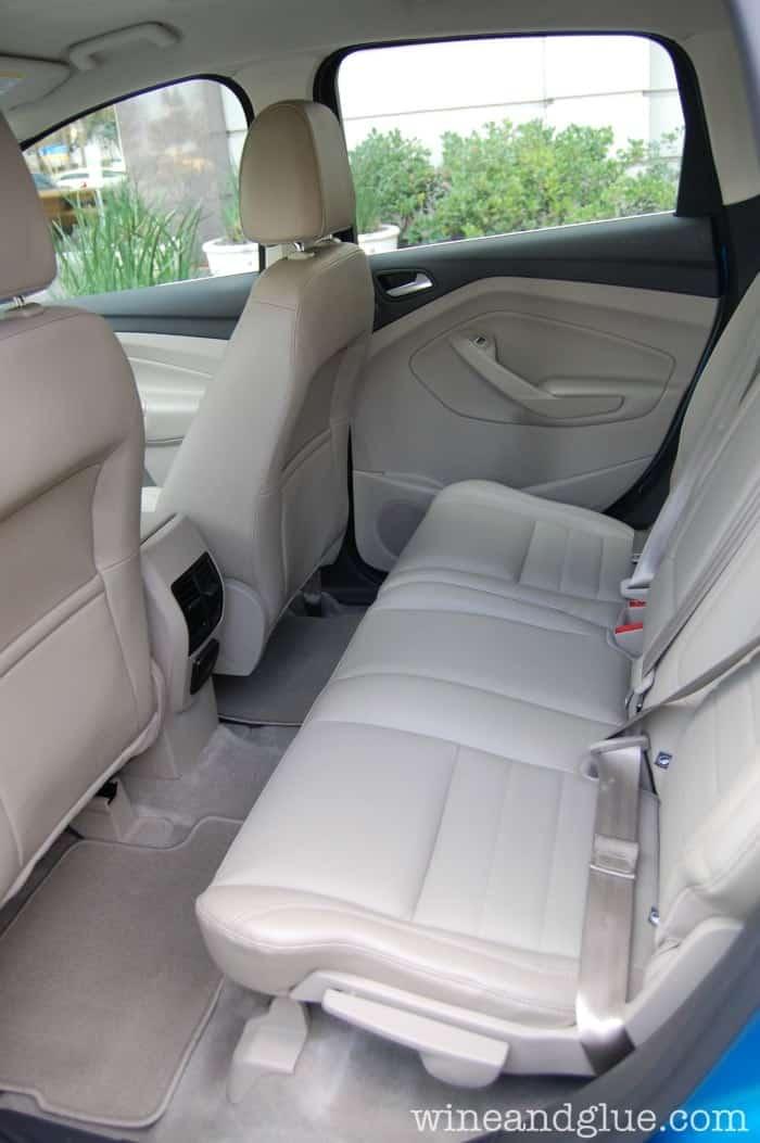buy_new_car_three_car_seats