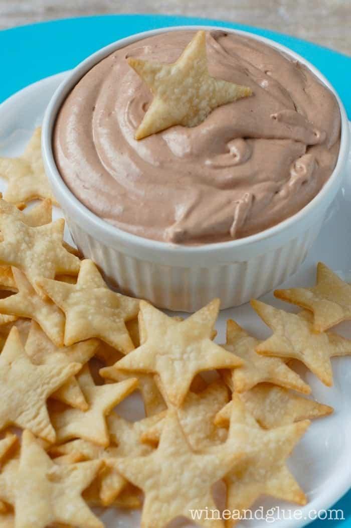 Skinny Banana Nutella Dip with Pie Crust Star Dippers | www.wineandglue.com