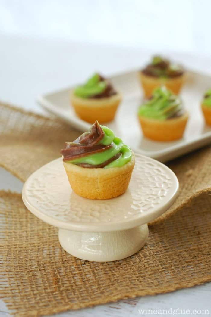 Mint Chocolate Sugar Cookie Pudding Cups | www.wineandglue.com | Two of your favorite flavors together in a sugar cookie cup!