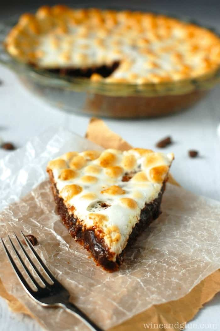 S'mores Chess Pie | www.wineandglue.com | The perfect taste of s'mores in a delicious and smooth chess pie!
