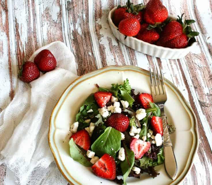 25 Berry Recipes & Desserts | www.wineandglue.com