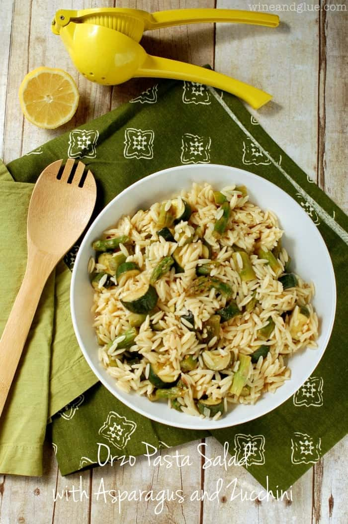 Orzo Pasta Salad with Asparagus and Zucchini | www.wineandglue.com | An easy side dish full of veggies and flavor!