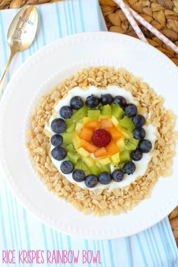 These Rice Krispies ® Rainbow Bowls are so easy that the kiddos can make them themselves, perfect for a snack and super fun for breakfast!