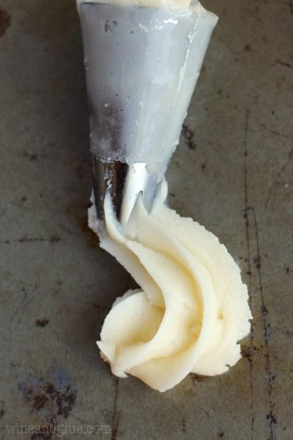 BEST Vanilla Buttercream Frosting - the easiest buttercream frosting recipe