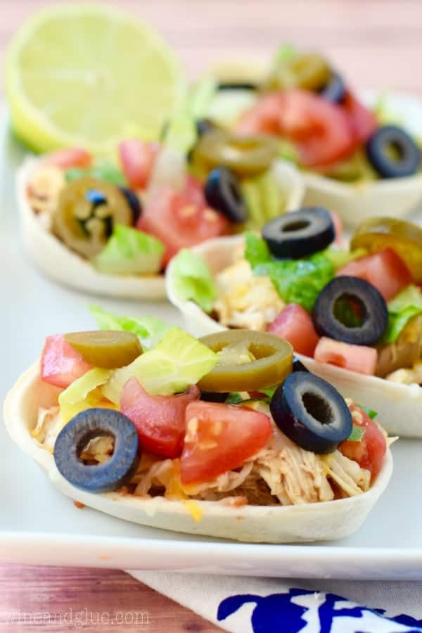 These Easy Cheesy Taco Boats are absolutely perfect as a quick weeknight dinner or a fun game day appetizer. My four year old declared these the best dinner ever!