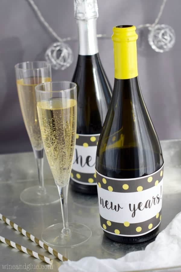 This New Year's Champagne Bottle Printable is super fun! And an easy way to decorate for New Year's Eve!