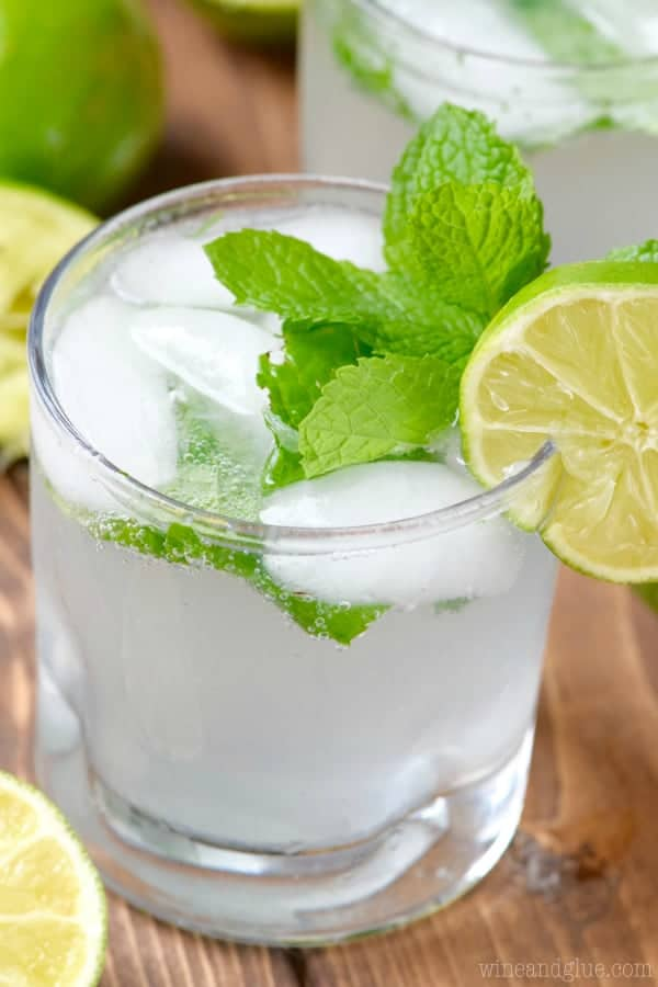 simple mojito recipe with mint and lime