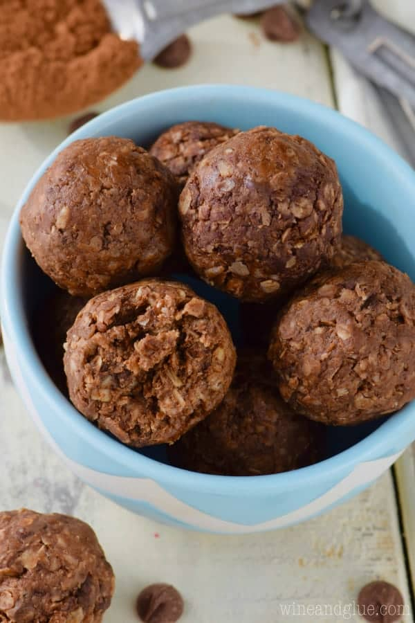 These Chocolate Energy Bites are a delicious easy snack! And they taste like a treat!