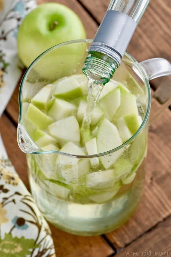 Just FOUR ingredients for this delicious Caramel Apple Sangria!