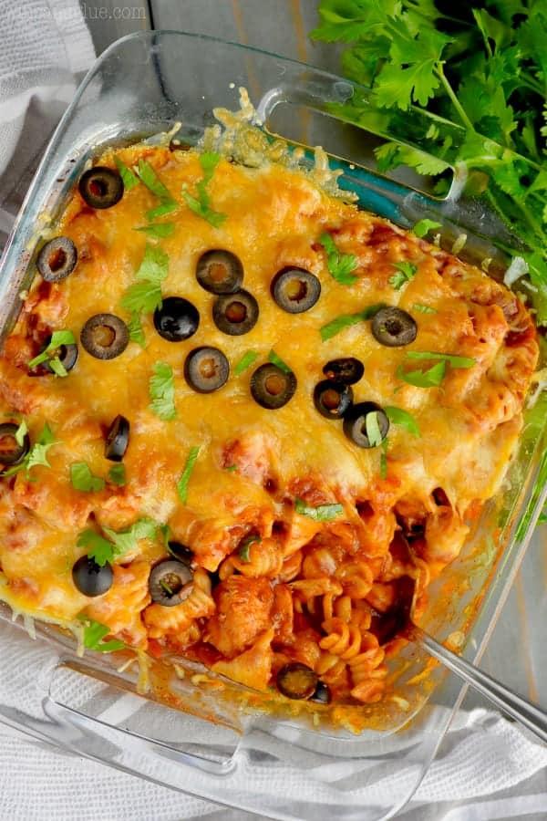 This chicken enchilada pasta casserole is so easy!